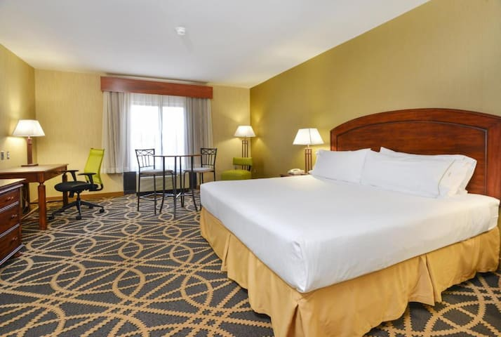 Spledid Double Bed At Central