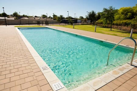 Charming Apartment 18 - Caprice Gardens Geraldton - Geraldton - Apartment