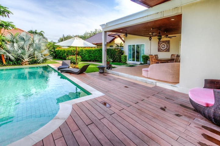 3 Bedrooms Private Pool in Rawai, Pommard - Rawai - Villa