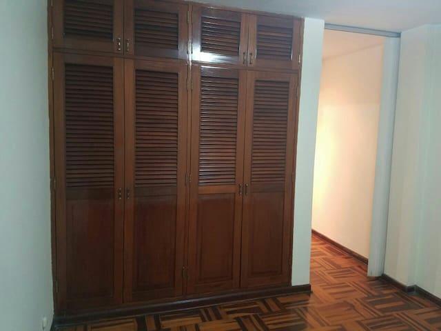 Habitación en casa de huespedes - La Molina - Distrito de Lima - House