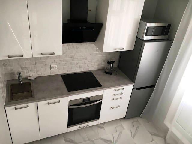Sunny new apartment /Солнечная Новая Квартира