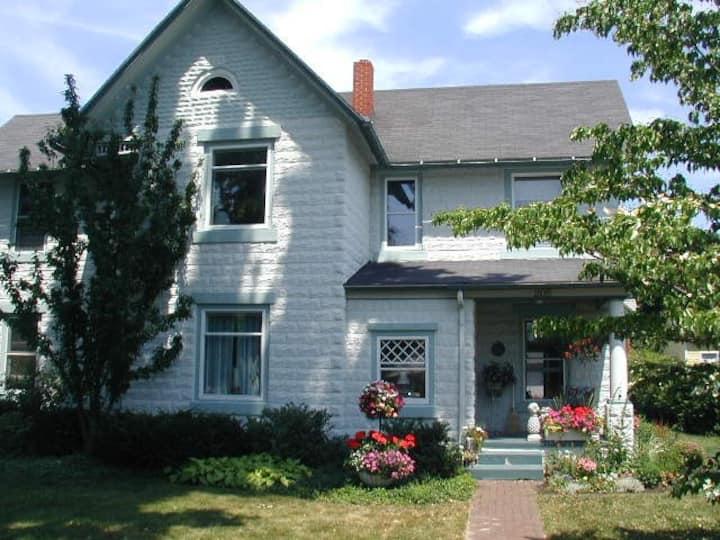 Historic Leland Home (Apartment, Level 2)