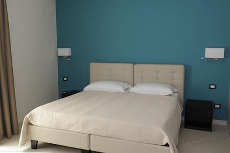 GuestHouse San Domenico matrimoniale con balcone - Augusta - Bed & Breakfast