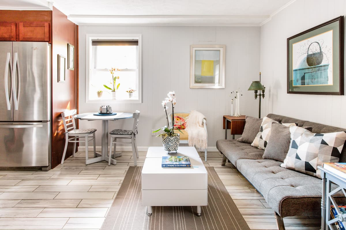 Escape to a Sunny Apartment in a Quiet D.C. Suburb