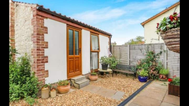 Private Detached Annex in Isleham Village