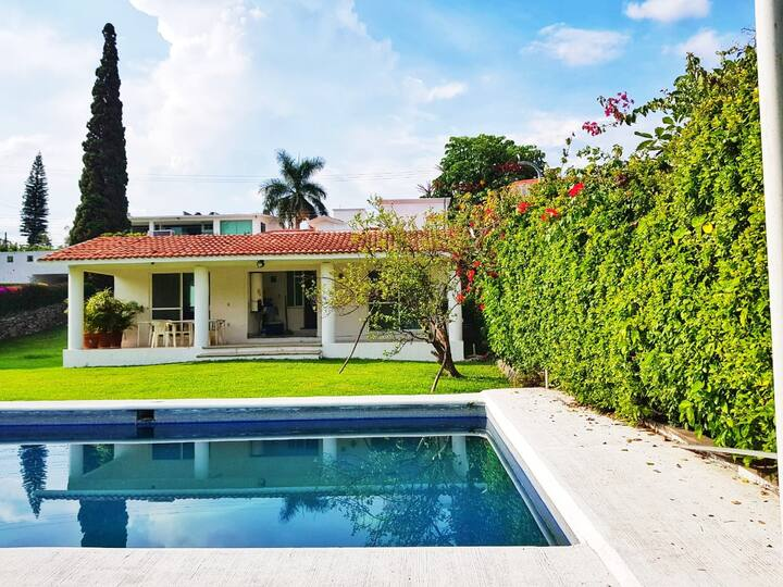 Casa lomas cocoyoc alberca priv jardin de 1000m²