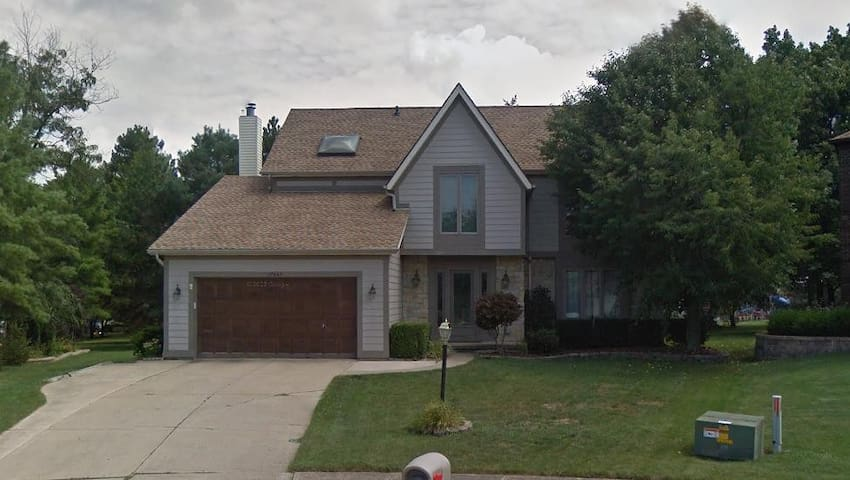 1 to 3 BRs available in 4BR House in Strongsville
