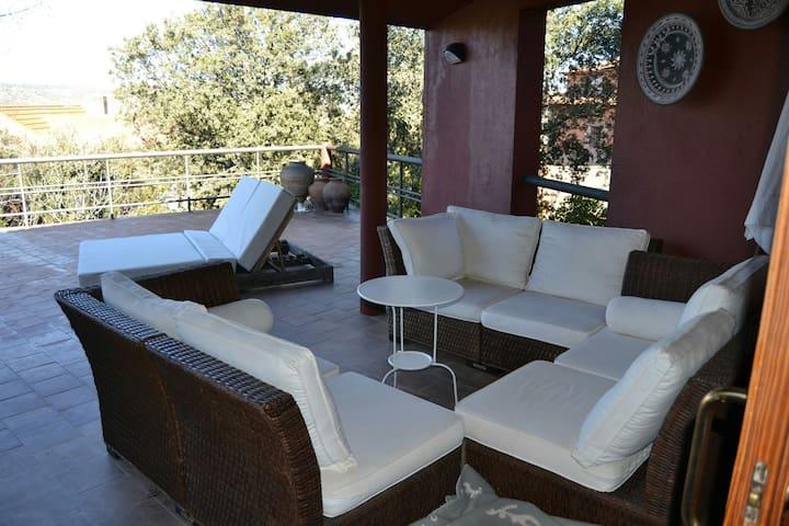 Chalet con bonitas vistas a la sierra - Venturada - Casa