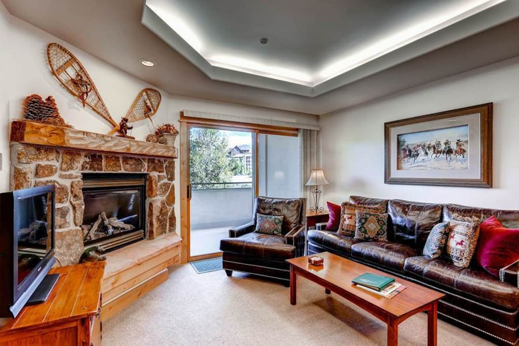 Couch,Furniture,Indoors,Room,Fireplace