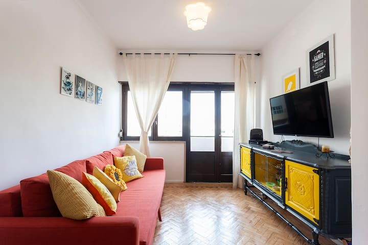 Great Sunny Loft 20m from Lisbon
