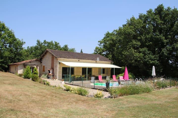 maison de campagne au calme - Sainte-Sabine-Born - Casa