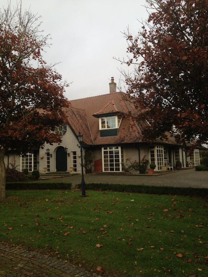 Sam Stephenson designed Country House