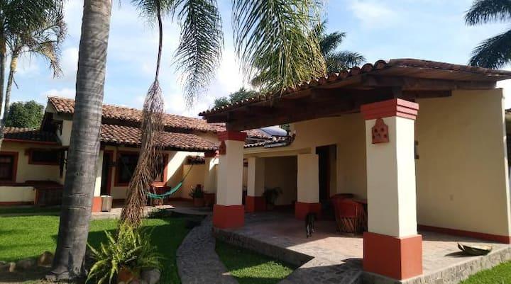 CABAÑA NOGAL HOTEL RANCHO LA ESMERALDA