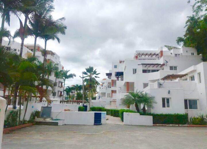 Departamento Tonsupa  1 cuadra de la playa, 3 hab