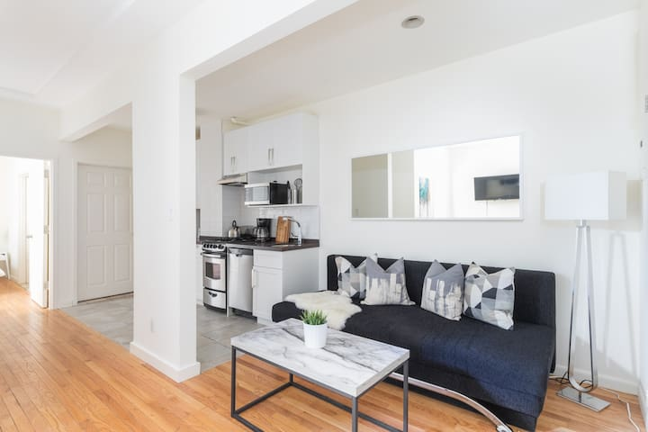 Stylish 2 BR Apartment in downtown Manhattan