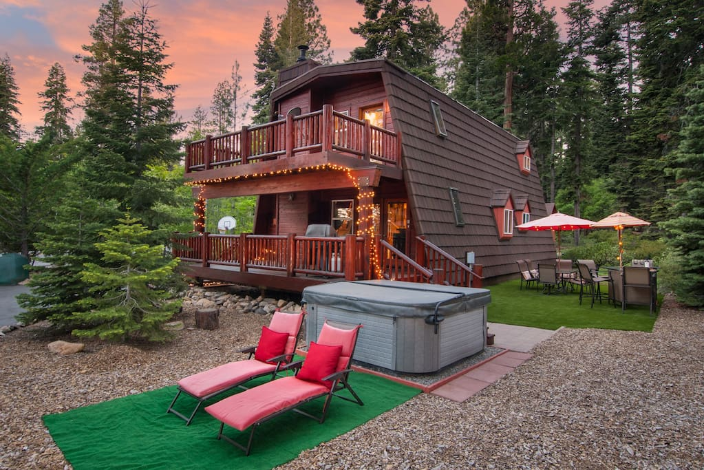 Exterior, summer lounge and hot tub