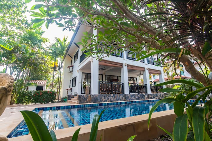 Great Pool Villa on Malee Beach for up to 8 pax