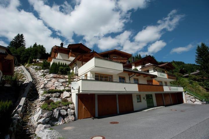 Mountain Chalet in Saalbach with Sauna, Ski-Storage & Terrace