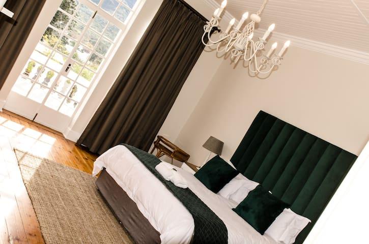 Herberg Manor Room 3
