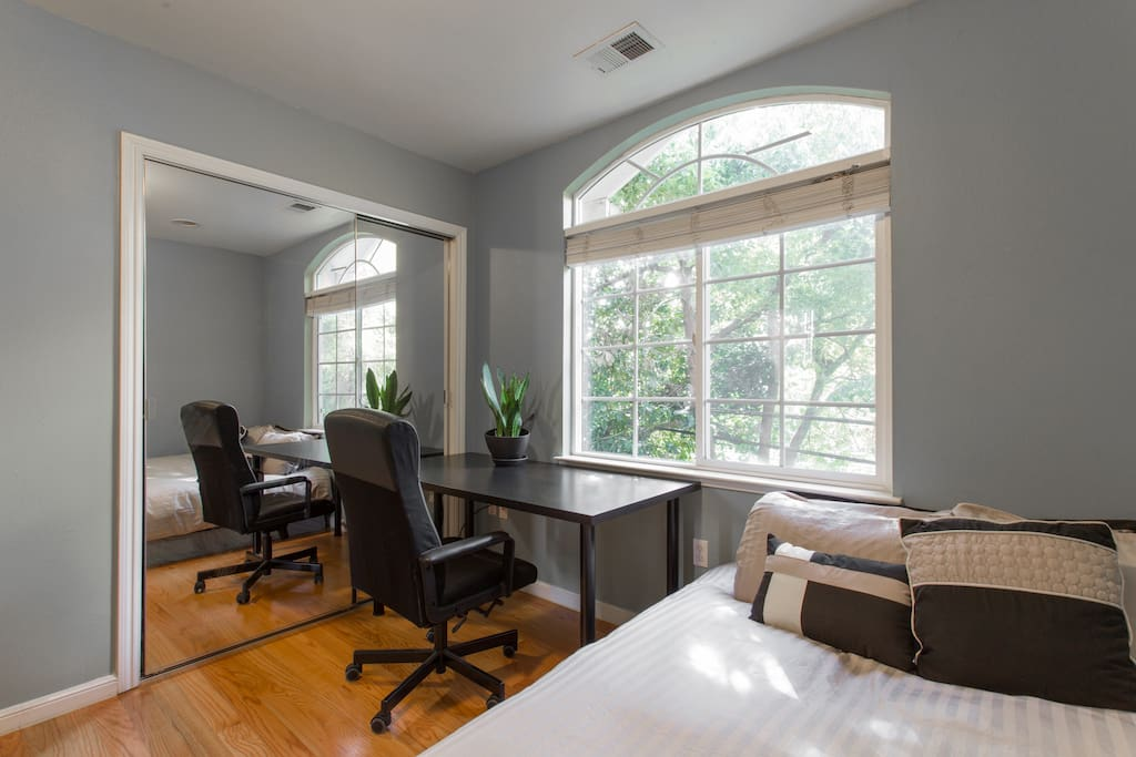 Leather chair & ample workspace for your needs.