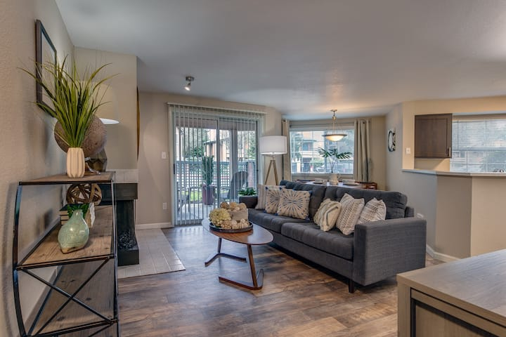 Everything you need | 2BR in Lynnwood