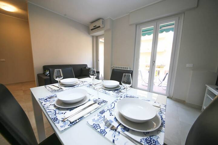 Bordighera Beach condo/wifi/Air condition/parking