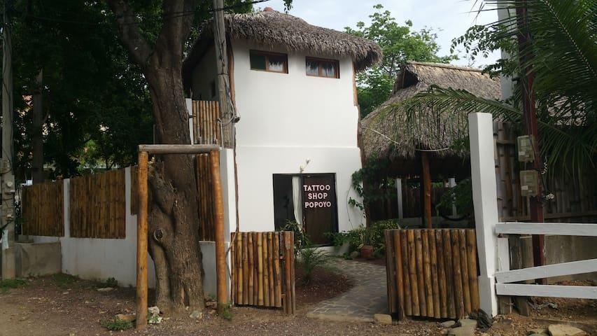 Popoyo Loco - Surf lodge