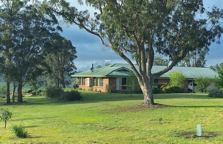 Waterfall Way Farmstay, Armidale