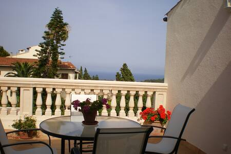 Casa con vistas al castillo y mar - Capdepera