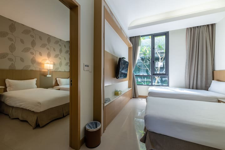 Chiayi Rest (202): Family suite for four