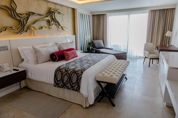 Smart Junior Suite Luxury At Riviera Maya Norte
