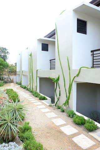 LaSora Tagaytay Transient House Zen Type 5-7PAX