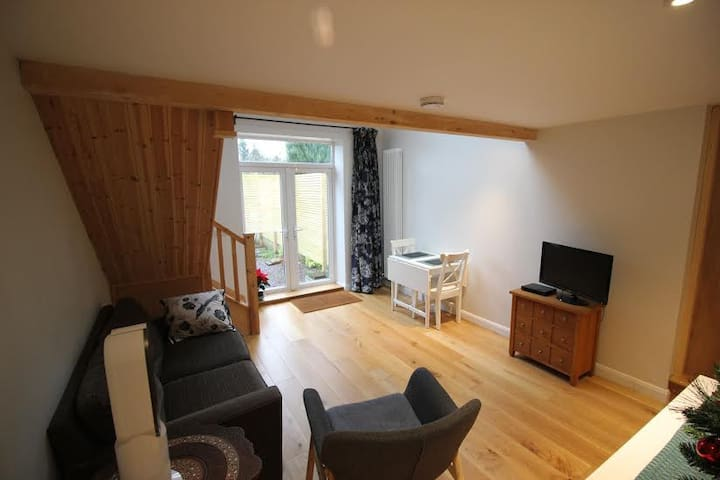 Modern Menai Bridge Retreat