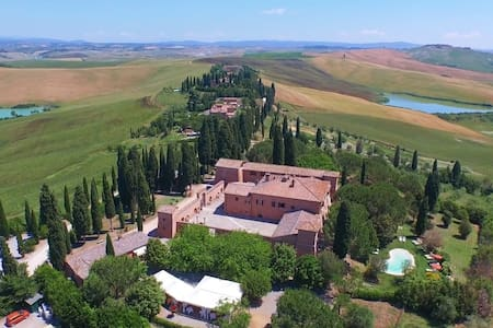 DREAMING CASTLE IN TUSCANY - Siena