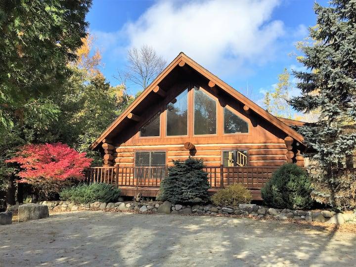 "SUPERCLEAN Nostalgic Log Home ""Green Apple Lodge"""