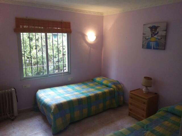 Habitación en Villa primera planta - Marbelha - Casa