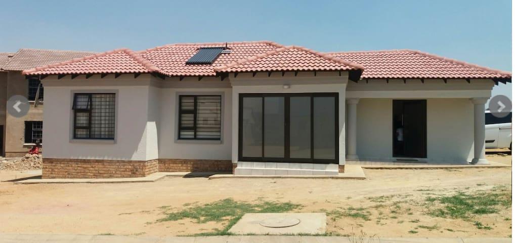 Mandz Guest House