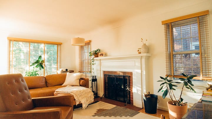 NW Ferndale - Charming & Modern Bungalow Home