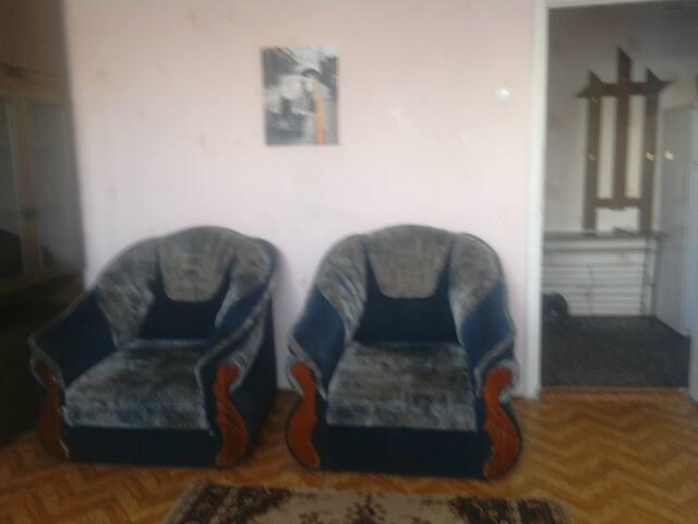 Квартира  на Островского 9 - Nizhniy Tagil - Daire