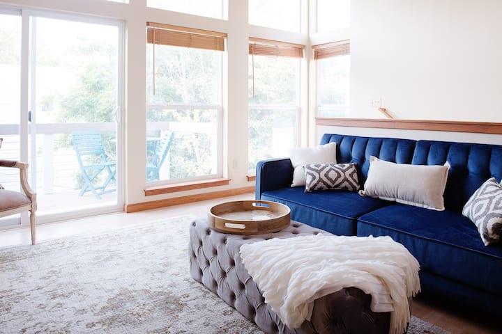 Modern & Clean Getaway in the ❤️ of Billings!