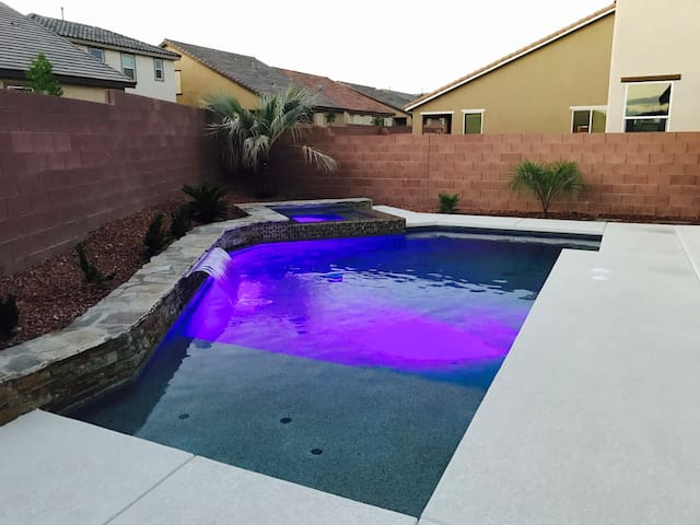 Ultra modern Shadow Creek Desert Oasis with pool!!