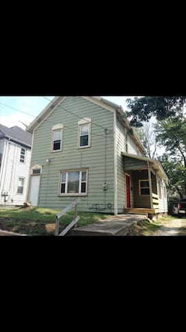 Great study house for students - Akron - บ้าน