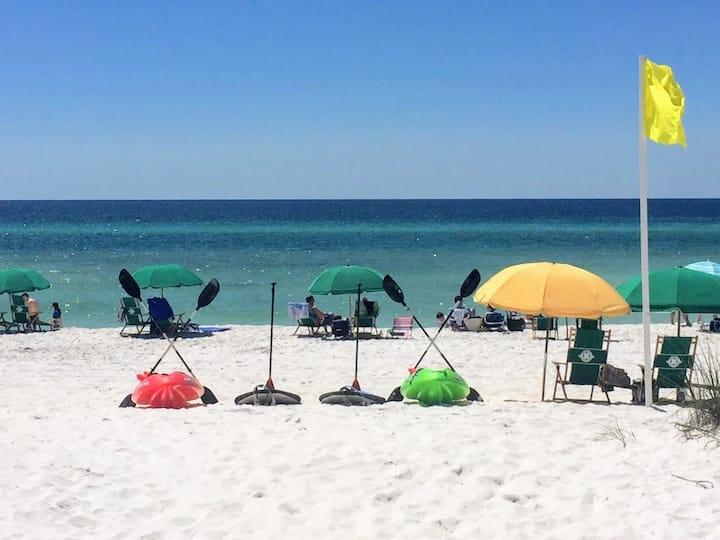 *Newly Updated*King Bed*Free Beach Service*1stFlr*