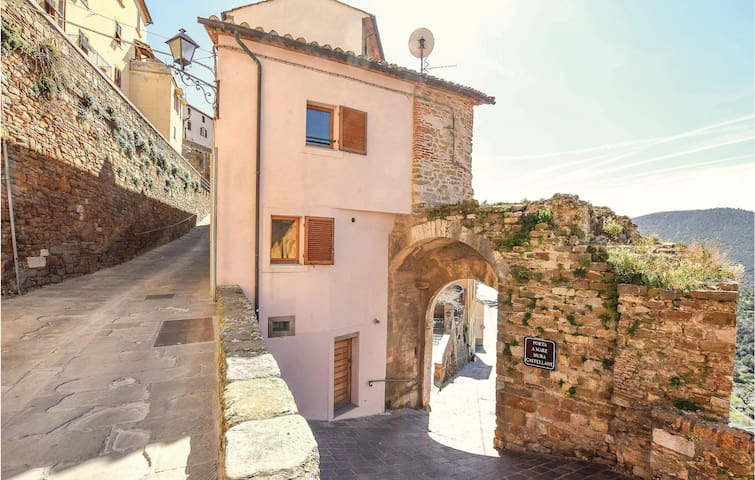 Holiday apartment with 1 bedroom on 60m² in Scarlino