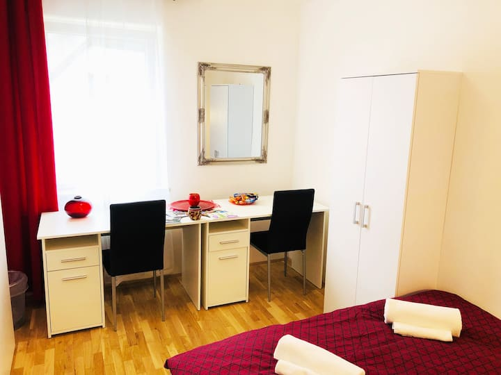 New double room no.6 in a guest house+parking