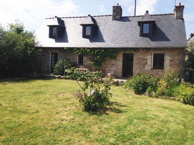 Maison de campagne près de la mer - Ploulec'h