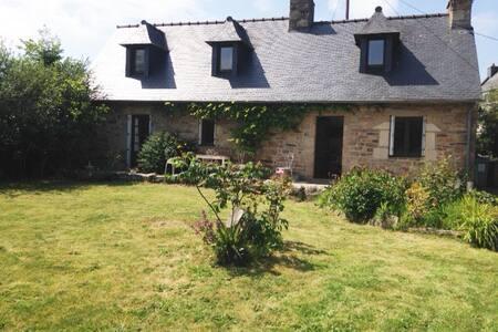 Maison de campagne près de la mer - Ploulec'h - Hus