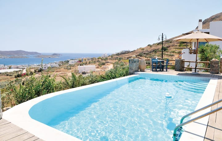 Awesome home in Syros with WiFi and 5 Bedrooms