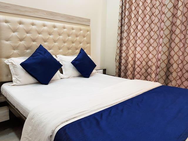 1 Private Room in a 2 BHK Apt nr Hiranandani Powai