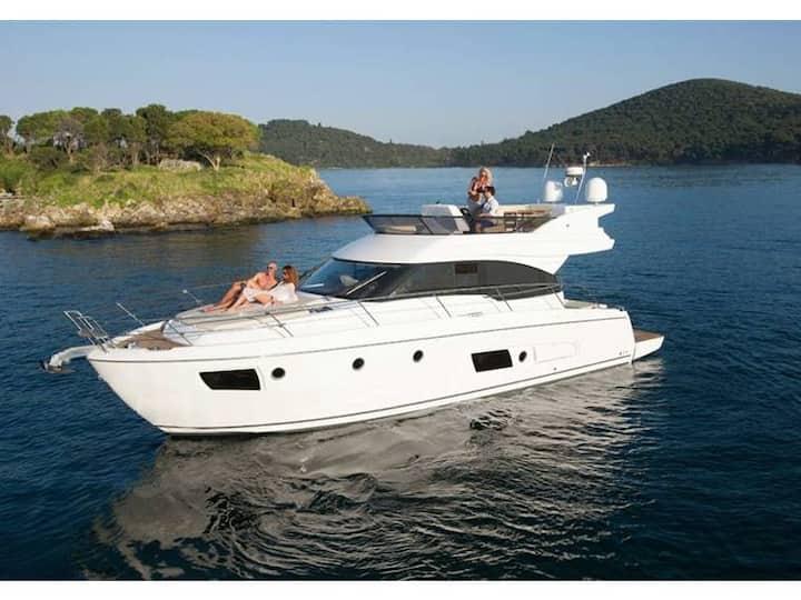 13,6 m new m/yacht Bavaria skippered